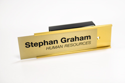 Interchangeable Nameplate for Cubicles